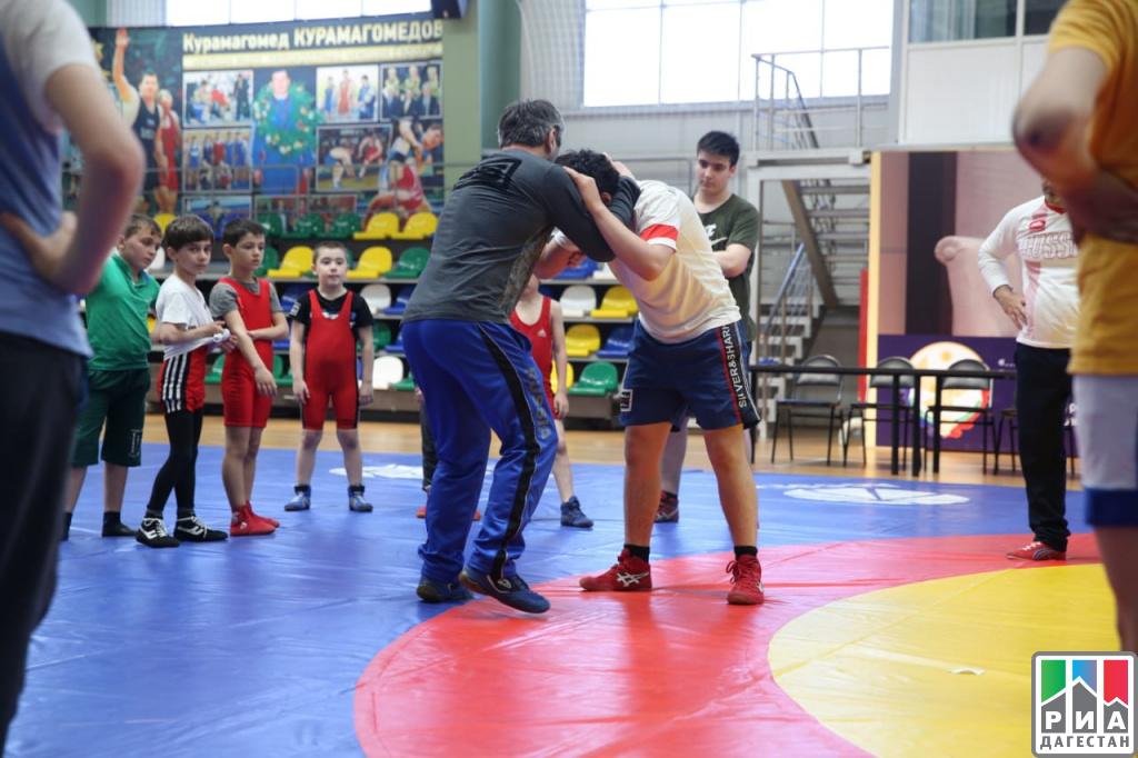 Министр спорта РФ посетил ряд спортивных объектов вДагестане