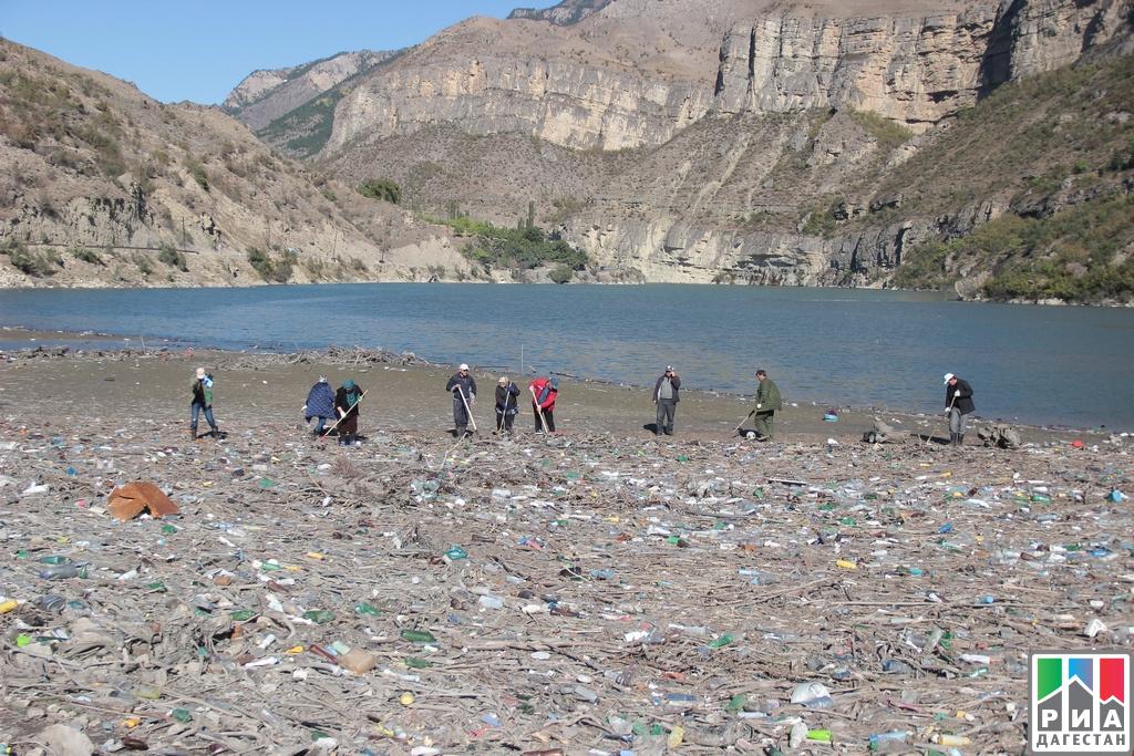 Неменее 200 человек приняли участие вакции поочистке берегов Гоцатлинского водохранилища