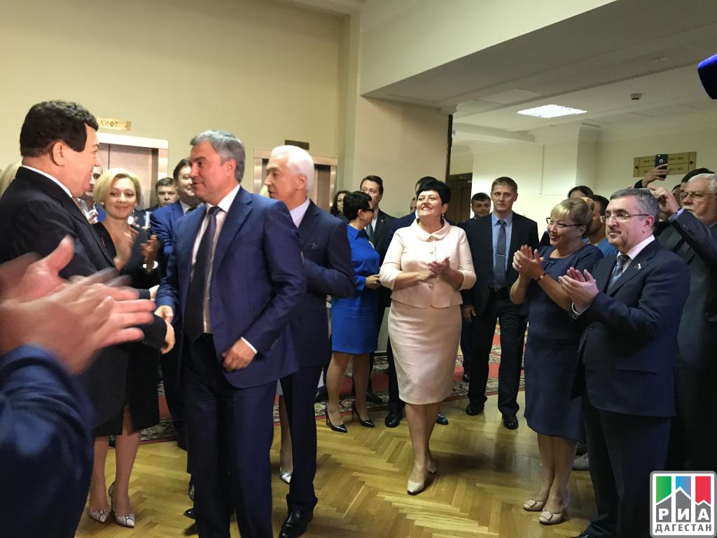 Депутат Государственной Думы Юрий Левицкий поздравил Иосифа Кобзона с юбилеем
