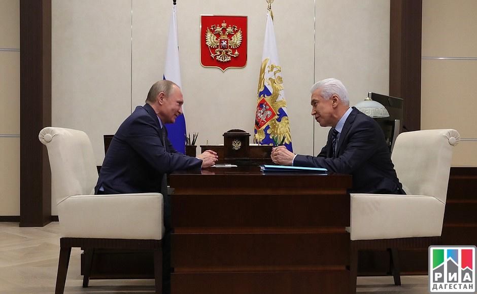 Владимир Васильев оповестил Владимиру Путину оповышении настоящих доходов населения Дагестана