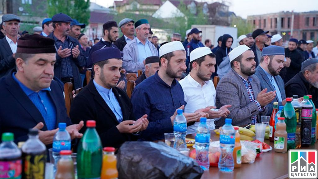 ДАГЕСТАН. Владимир Васильев профинансирует благотворительные ифтары в месяц Рамадан