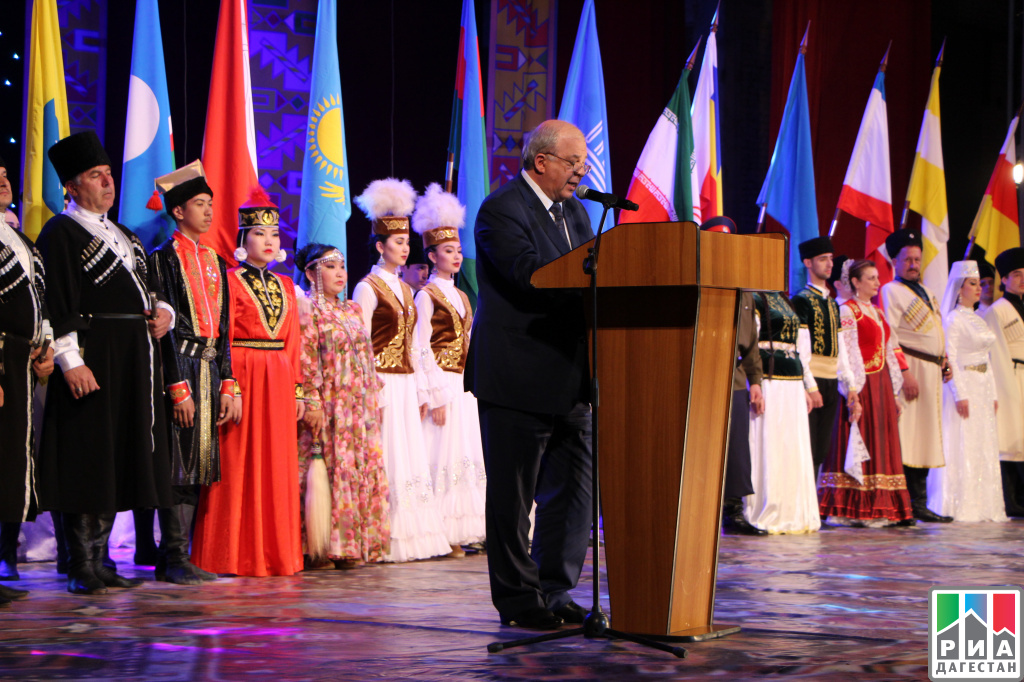 Анатолий Карибов открыл фестиваль «Каспий— берега дружбы»