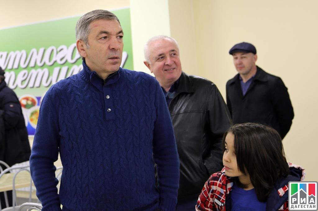 Гамидов проинспектировал ультрасовременную школу вКаспийске