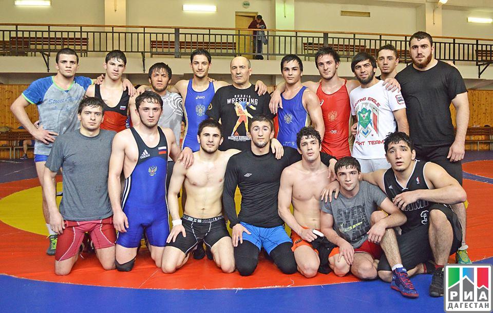 Крымчане выиграли две медали наюниорском первенстве РФ повольной борьбе