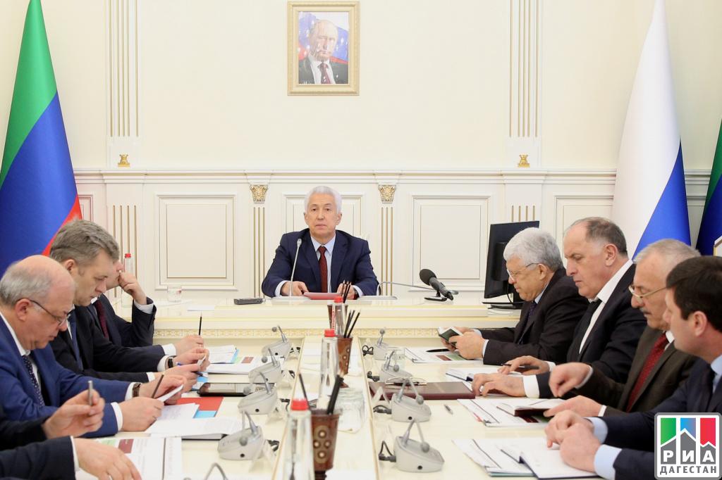 Владимир Васильев встретился с собственниками банкетных залов ирынков республики
