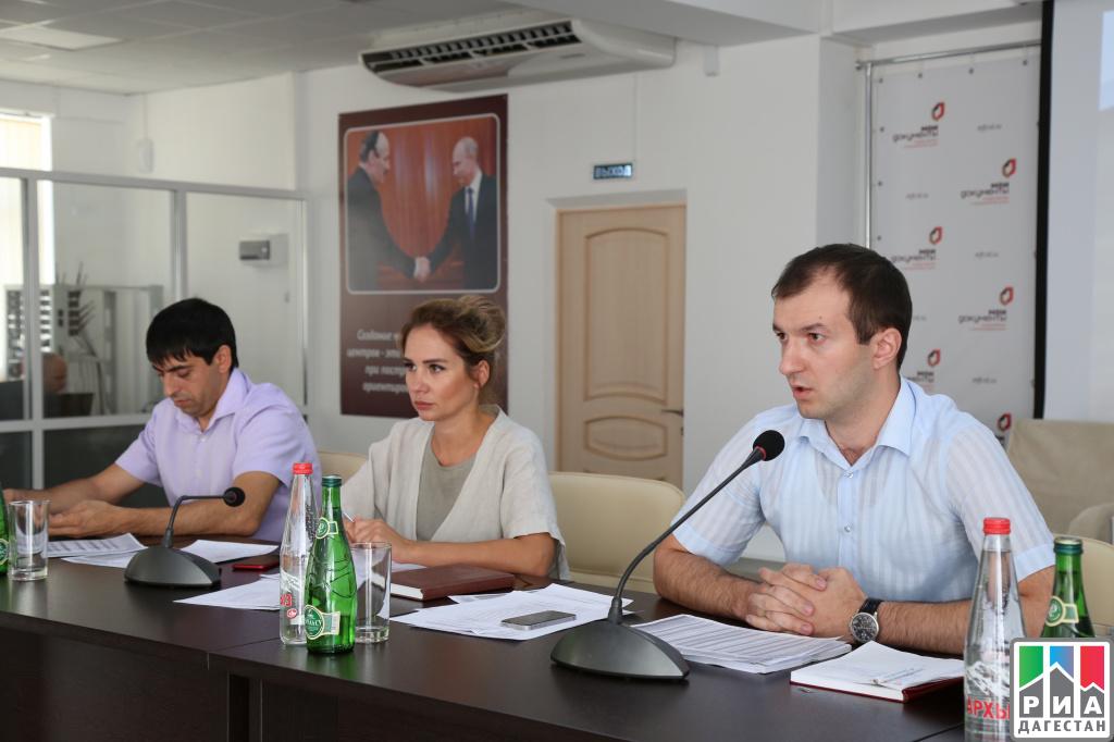 Свыше одного миллиона услуг оказали за полугодие на площадках МФЦ Дагестана