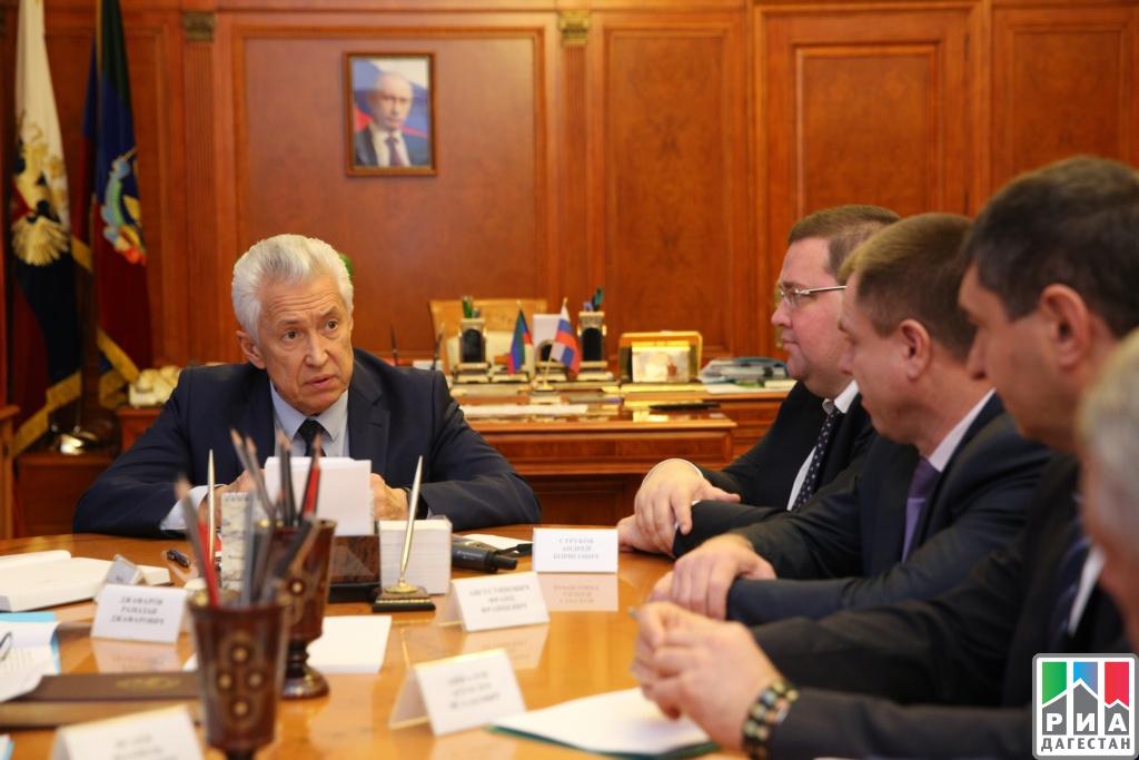 Васильев будет проверять расходы дагестанских чиновников— Выверните карманы