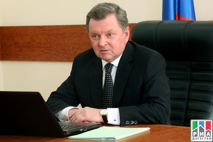 Рамазан Абдулатипов встретился сполномочным представителем Президента России вСКФО Олегом Белавенцевым