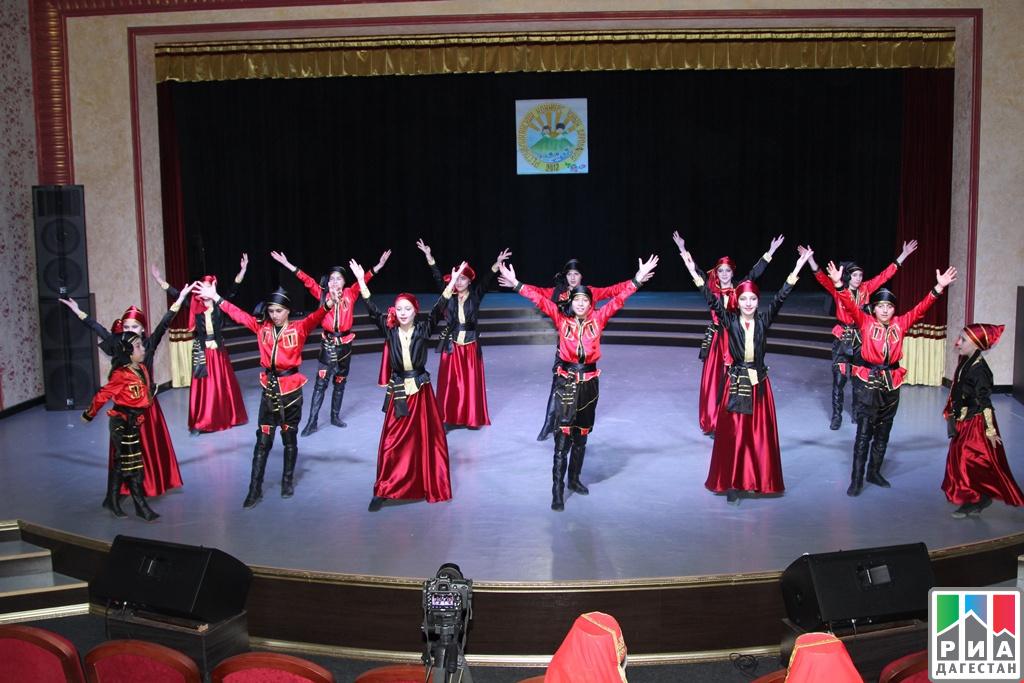 Молодые танцоры изМахачкалы приняли участие вконкурсе хореографического искусства