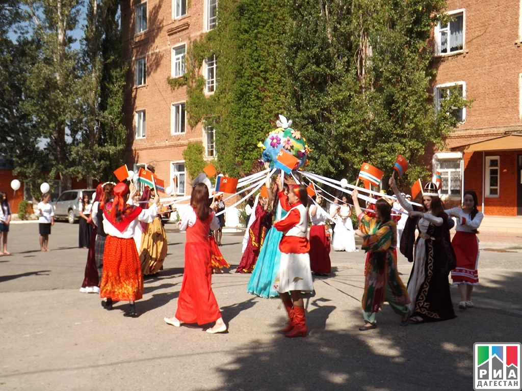 Детский праздник посвященный расулу гамзатову аниматоры в школу Спортивная