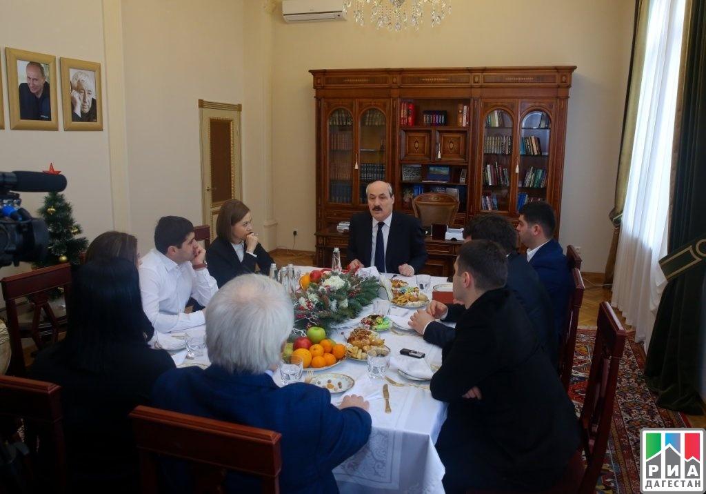 РИА «Дагестан»Рамазан Абдулатипов: «Надо делать