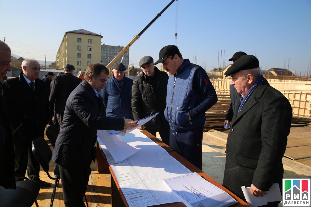 Бюджетные деньги недля юбилеев: руководитель Дагестана призвал кскромности