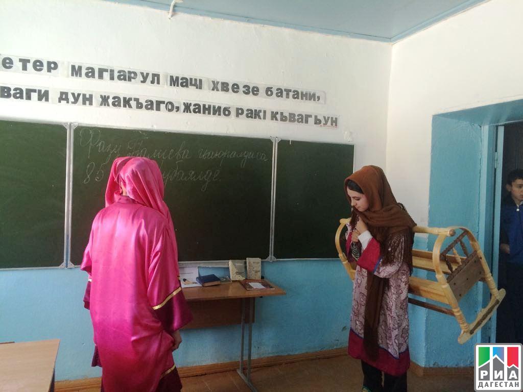 Встолице Дагестана появится монумент Фазу Алиевой