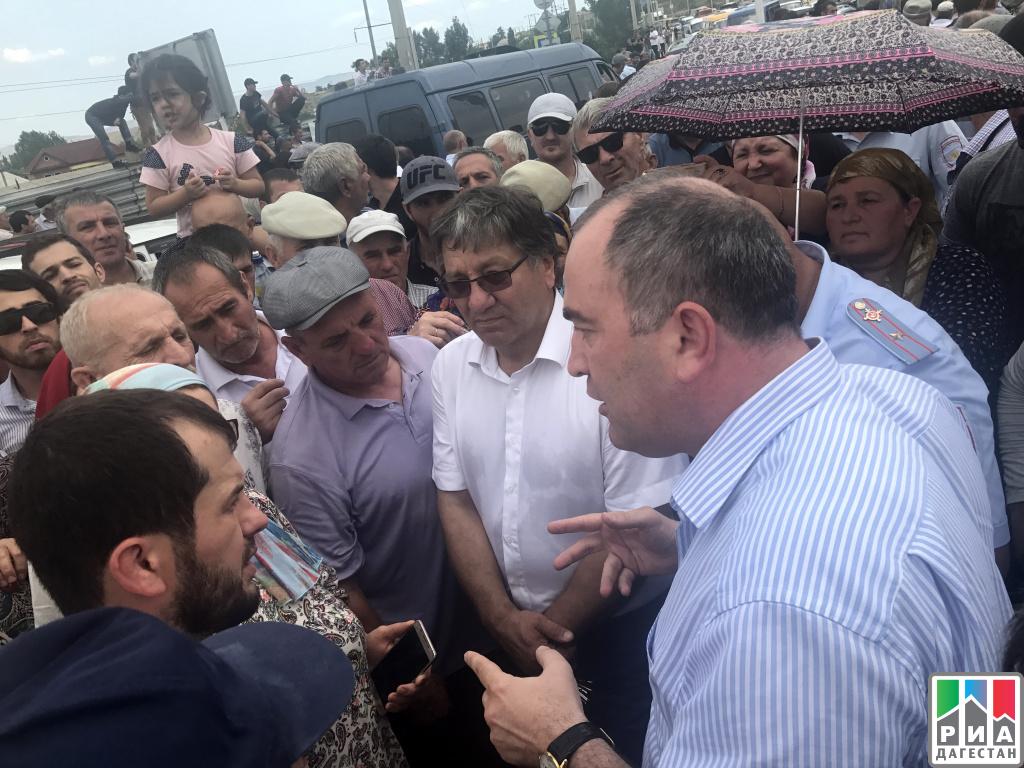 Жители селений Буйнакского района стали заложниками водной блокады